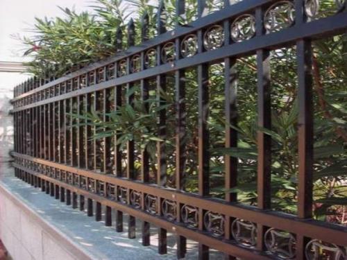 小区围栏的分类和