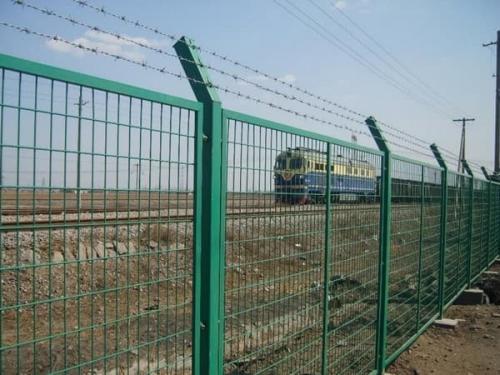 铁路护栏网的基础