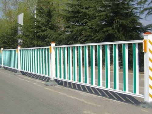 围栏是城市的一道
