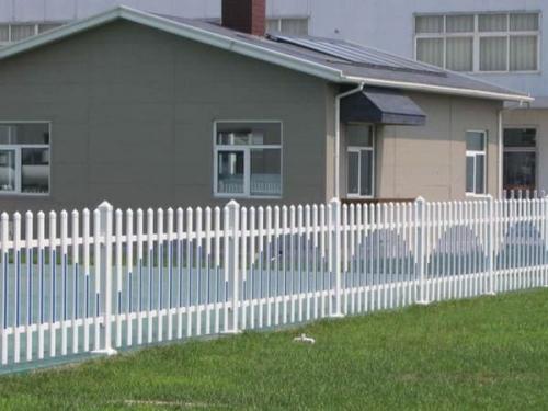 PVC护栏安装时