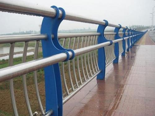 桥梁护栏常见的类