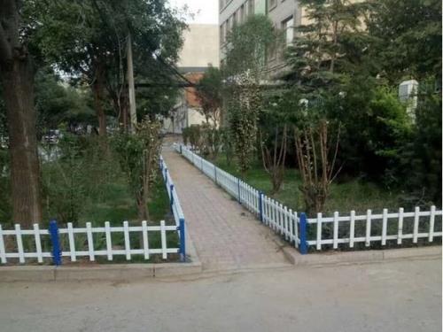 草坪锌钢护栏的作